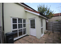 *NO AGENCY FEES TO TENANTS* Newly redecorated, modern, two bedroom mews cottage - Henleaze
