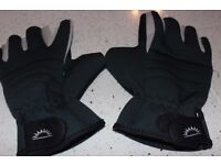 Sundridge Fingerless Hydra Gloves. Size L. Don't think they have been worn. Very good condition.