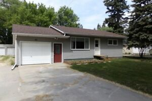 House for Sale in Altona, MB - 45 2nd St. SE
