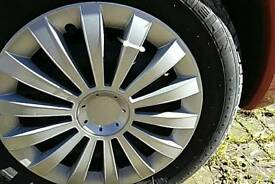 Wheel trims set of four currently in Citroen xSara Picasso