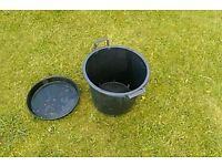 Plant pots 30lt with drip tray