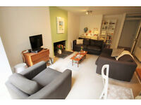 *NO AGENCY FEES TO TENANTS* Beautifully presented two bedroom apartment with courtyard in Clifton