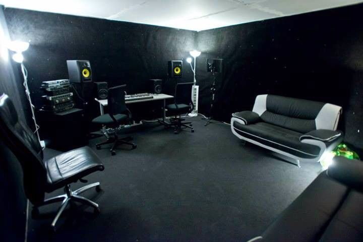 Fantastic Music Production Room For Monthly Hire N4 In Haringey London Largest Home Design Picture Inspirations Pitcheantrous