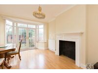 Large 5 bedroom house - Cricklewood/Golders Green - Private Garden - Private Parking