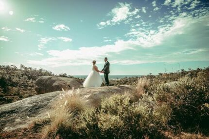 WEDDING PHOTOGRAPHY BY LOUISE FOWLER-TUTT