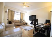 £1700- 3 Bedroom house with garden in Colliers Wood ideal family home