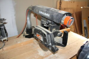 BLACK and DECKER RADIAL ARM SAW AND TABLE