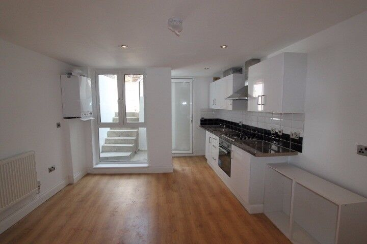 2 Bed Flat to Rent in Hackney Downs