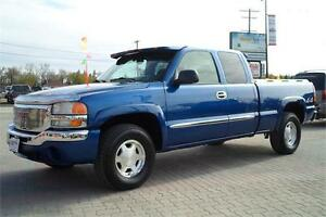 2003 GMC Sierra 1500 SLE Ext Cab 4X4 **ONLY 129,000kms!**