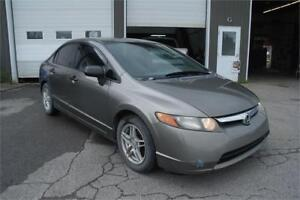 2008 Honda Berline Civic DX 2000$
