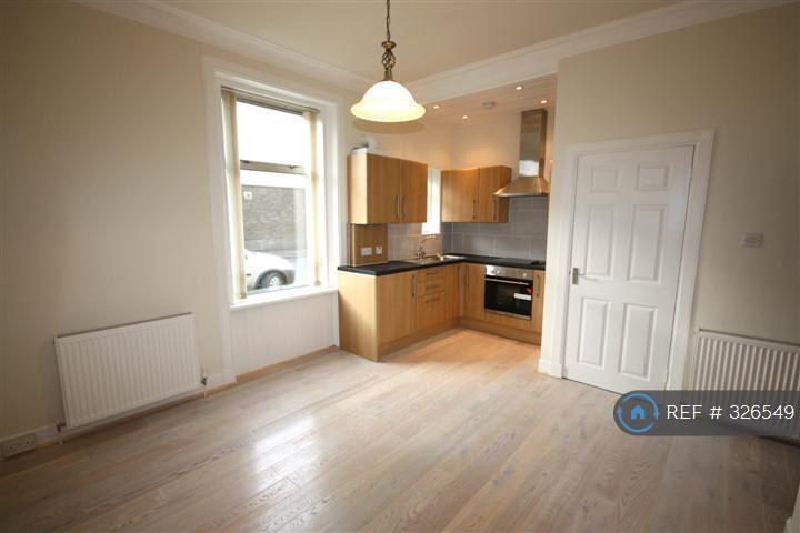 1 bedroom flat in Mccalls Avenue, Ayr, KA8 (1 bed)