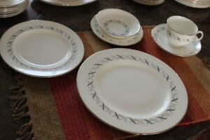 Wedgwood 'Fairmont' Silver Ribbons and Bows