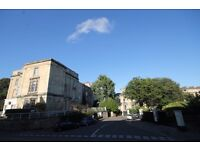 *PIPER PROPERTY DO NOT CHARGE TENANTS FEES** 2 double bedroom flat in Clifton