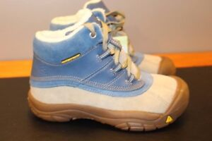 Brand new Keen Winter boots Youth size 1 (5-7years old?)