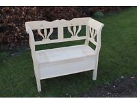 Lift lid garden hall bench settle