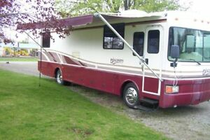 1998  Fleetwood Discovery 36ft Diesel Pusher