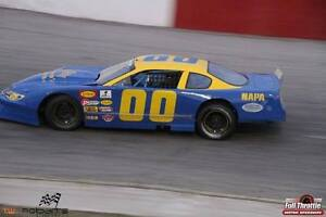late model/ thunder car