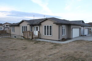 Cold Lake North - 3bed, 2 bath Mainfloor suite