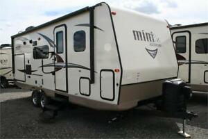 !2018 ROCKWOOD MINI LITE 2507S!OUTSIDE KITCH!!
