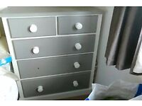 Solid wood chest with 5 draws