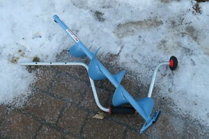 6 inch manual ice auger and ice ladle