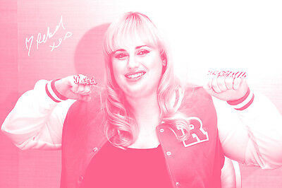 REBEL WILSON PHOTO PRINT POSTER PRE SIGNED - 12 X 8 INCH (A4)  HOW TO BE SINGLE