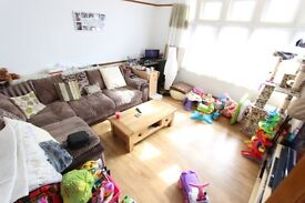BORDERS of Muswell Hill, Bounds Green and Wood Green. N10 and N22. AVAILABLE DECEMBER.. CALL NOW