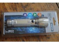 New sealed Powerfull 3 W watt LED torch. Aluminium.