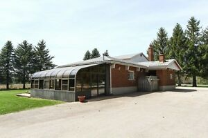 House & workshops on 5 acres lot with indoor pool & sun-room
