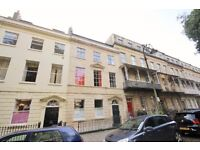 **NO AGENCY FEES TO TENANTS** Large Two Bed Apartment with Courtyard Garden - Clifton Village