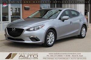 2014 Mazda3 ** 6 SPD ** REVERSE CAM ** HEATED SEATS ** BLUETOOTH