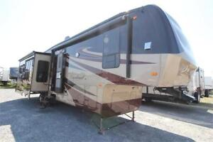 2012 Cardinal Fifth Wheel Custom, Triple Slides