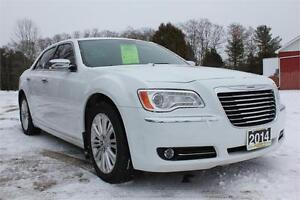 2014 300C All-Wheel-Drive, SUPREME LUXURY! Nav, Sunroof