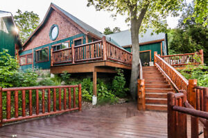 Spectacular Lakefront Cottage Retreat 30 people