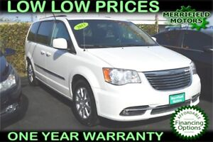 2013 Chrysler Town & Country Touring, STOW-N-GO, Power Doors