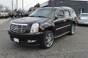 2007 Cadillac Escalade AWD - LEATHER - SUNROOF - 7 ROOMY SEATS
