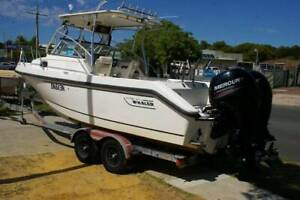 BOSTON WHALER 230 CONQUEST NEW 4 STROKES FITTED 2017