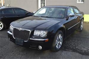 2009 Chrysler 300 Limited with sunroof, leather