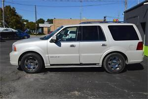 """2006 Lincoln Navigator 4WD Luxury with SUNROOF, LEATHER, DVD"