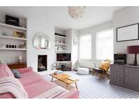 3 bedroom flat in Monster Road, Fulham