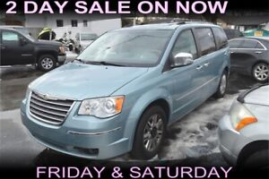 2010 Chrysler Town and Country , STOW-N-GO, LEATHER SEATS
