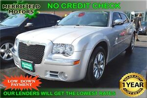 2010 Chrysler 300 Limited RWD - Sunroof - Leather - Factory NAV