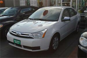 2009 Ford Focus SE with ONE YEAR WARRANTY