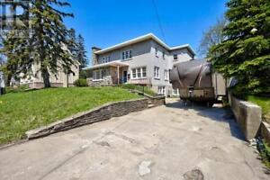 15 PARKSIDE DRIVE Barrie, Ontario