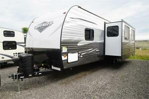 Avenger 31DBS with double bunks and 2 washrooms!