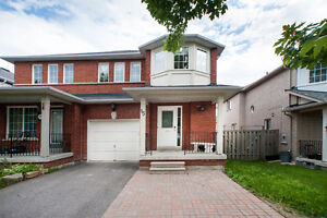 Beautiful Markham townhouse ready for you to move in.