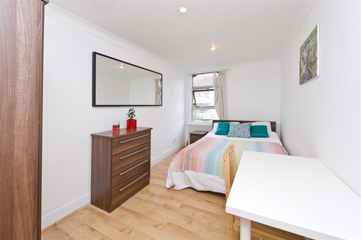 1 bedroom in Frithville Gardens, Shepherds Bush