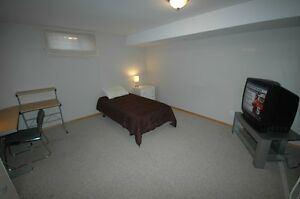 Perfect Location-Save $$$-Mens Room Available NOW