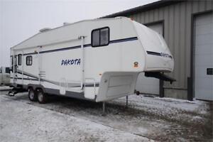 Used 5th wheel RV trailer Dakota 275RLS