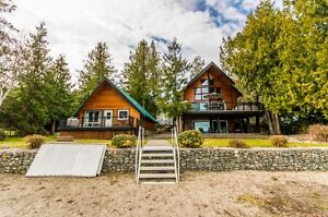 SHUSWAP LAKE WATERFRONT WITH GUEST HOME